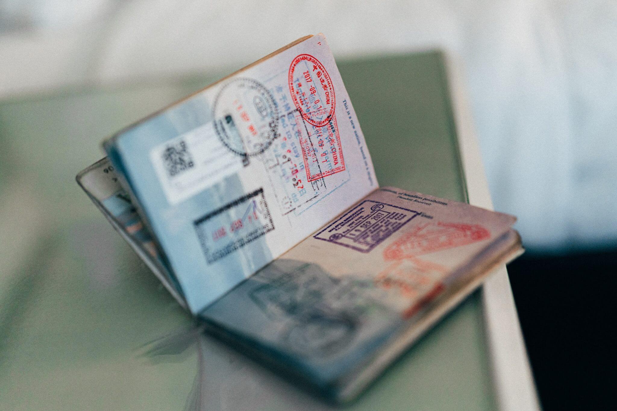 Passaporte - Photo by ConvertKit on Unsplash